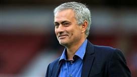 مانشستر يونايتد يريد بقاء مورينيو في النادي لعشر سنوات على الأقل