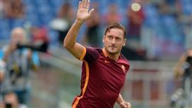 توتي سيُمدد تعاقده مع روما.. سنة كـ لاعب و6 كـ إداري