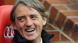 سكاي: مسئولو فالنسيا في مفاوضات مع روبرتو مانشيني