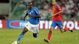 بالوتيلي يقترب من العودة لصفوف المنتخب الايطالي في مواجهتي اسبانيا ومقدونيا المقبلتين
