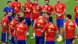 3 من أعمدة إسبانيا يهددون بعدم التواجد مع المنتخب في مونديال روسيا