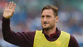 روما يعرض منصب المدير الرياضي على توتي.. لـ 6 سنوات