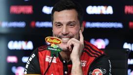 رسمياً .. خوليو سيزار ينضم لصفوف نادي فلامنجو البرازيلي