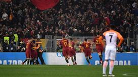 بعيداً عن أمنية التأهل .. لاعبو روما يحققون أمنية مدربهم بخصوص حارس الفريق