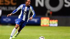مساعد مدرب البرازيل يشيد بقدرات صفقة ريال مدريد المنتظرة