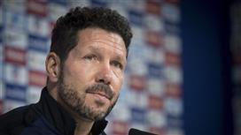 سيميوني يحدد موقفه من الاستمرار مع أتلتيكو مدريد في ظل رحيل نجوم كبار