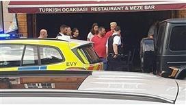 مسعود أوزيل يتعرض لهجوم مسلح أمام مطعم