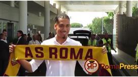 سمولينج يصل إيطاليا للتوقيع مع روما