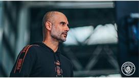 غوارديولا عن ميسي: عليه إنهاء مسيرته في برشلونة
